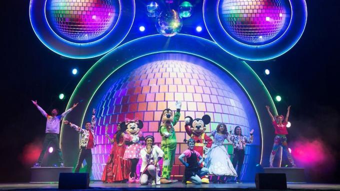 Disney Junior Holiday Party! at Murat Theatre